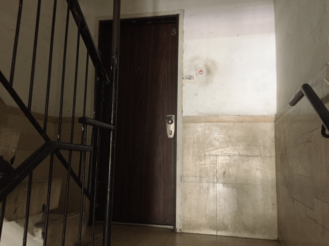 снять квартиру в Израиле - вход в квартиру