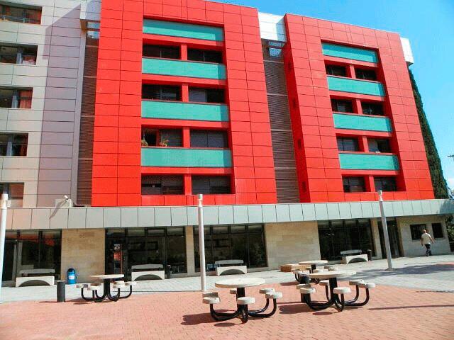 Сэла - центр абсорбции