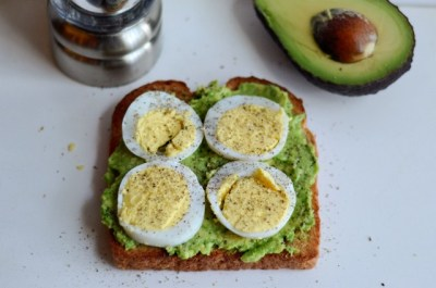 Bread toast with hard-boiled egg & avocado.turkey Sausage, spinach & eggs