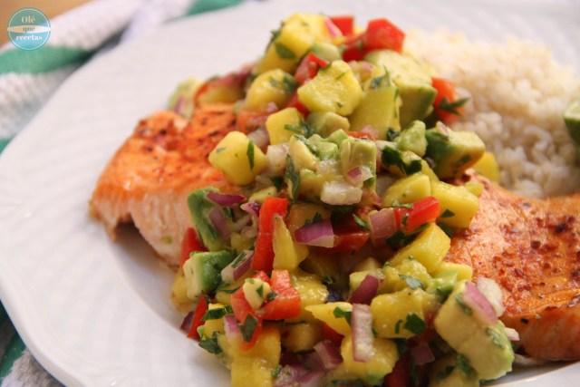 Ensalada con mango y aguacate