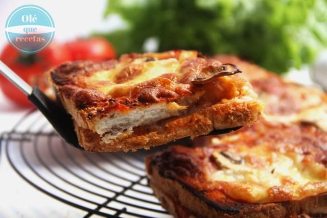 Pizza de pan de molde
