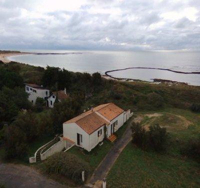 Villa dans un site exceptionnel à 50 m plage
