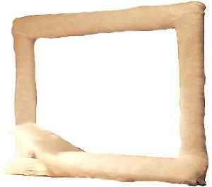 Обшивка деревянного каркаса настольной ширмы-телевизора синтепоном