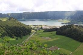 Blick auf den Kratersee und Sete Cidades
