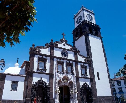 Die Hauptkirche Igreja Matriz de São Sebastião in Ponta Delgada