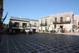 Kleiner Marktplatz in Erice auf Sizilien
