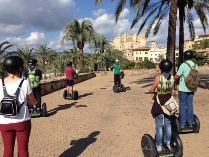 Ausblick auf die Kathedrale von Palma bei Segway-Tour