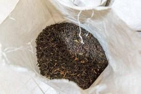 Tee in Sack in Teefabrik Azoren