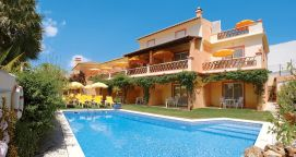 Pool und Appartements Costa D'Oiro Ambiance Village