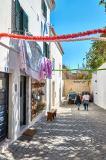 Kleine Straße in Lissabon