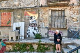 Graffiti alte Frau in Porto