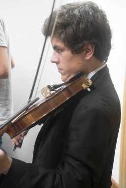 Geigenspieler Student Porto Tunas
