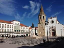 Kirchplatz Tomar Portugal Urlaub Centro
