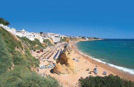 Strand und Ort Albufeira