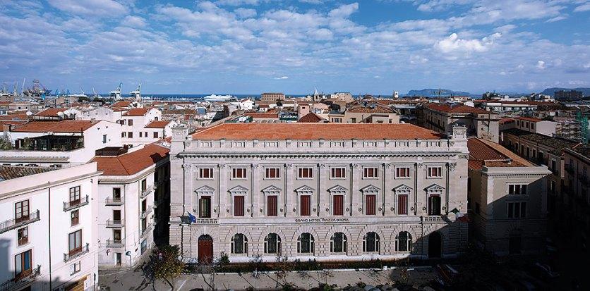 Grand Hotel Piazza Borsa Fassade