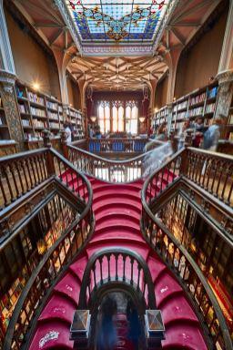 Treppe Lello Buchhandlung Porto