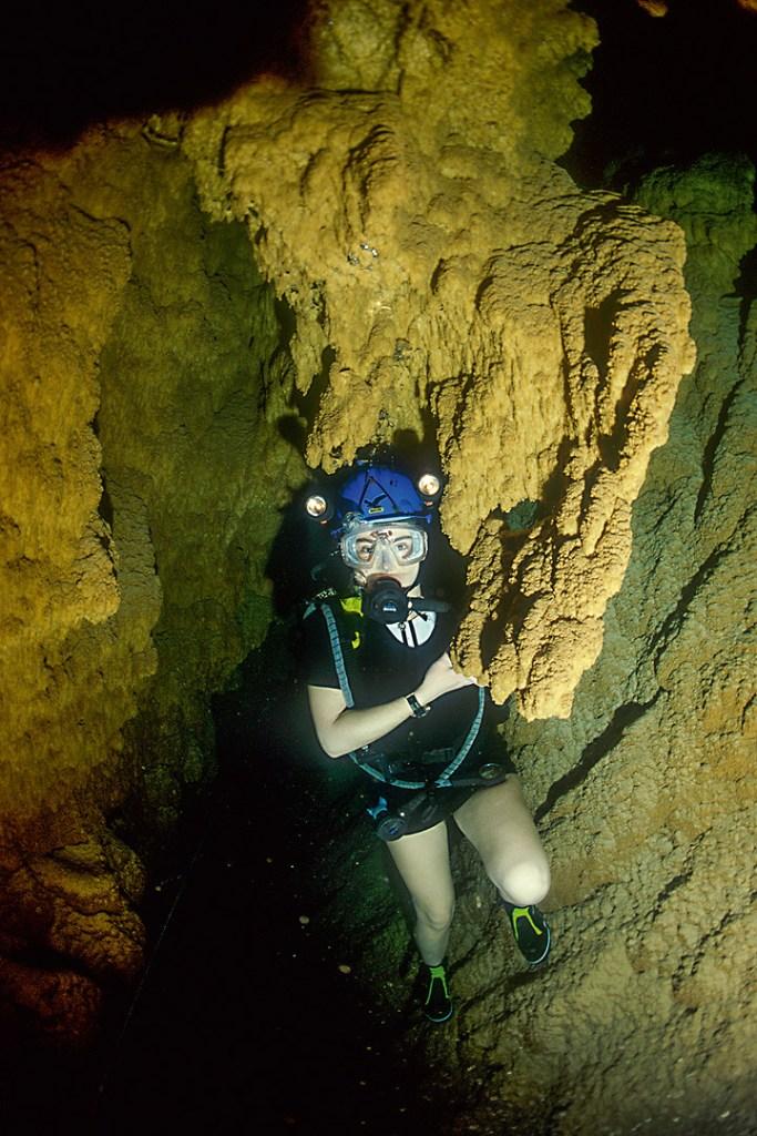 Tauchen in der natürlichen Höhle Grotta Giusti