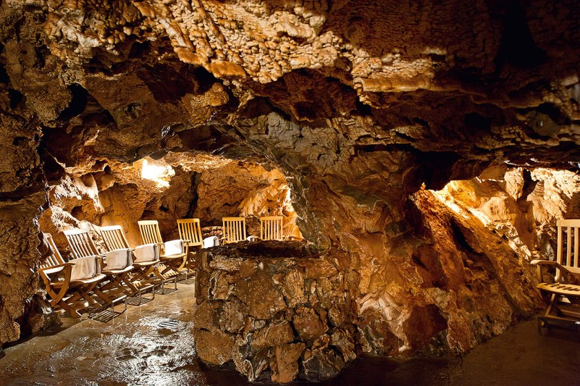 Thermalgrotte