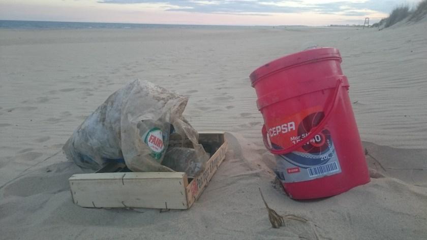 Plastikmüll am Strand in Spanien
