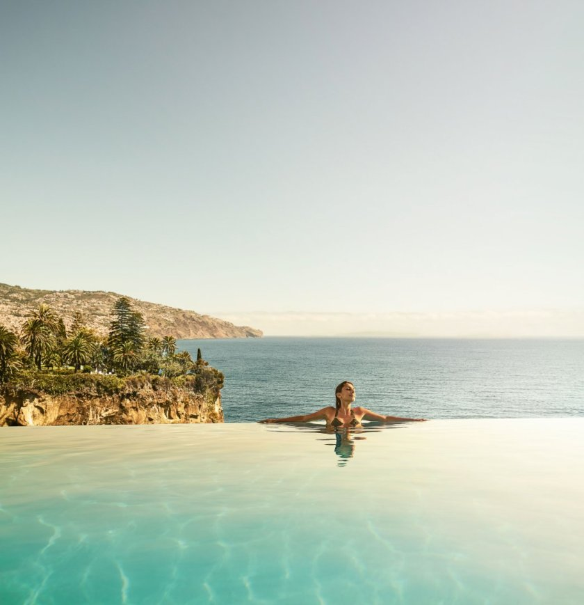 Infinity Pool Les Suites at The Cliff Bay