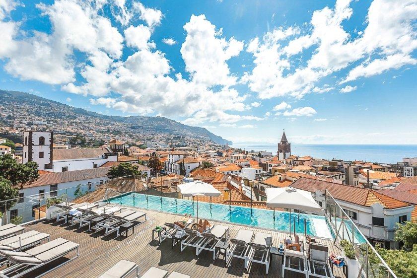 Ausblick Dachterrasse Castanheiro Boutique Hotel Funchal