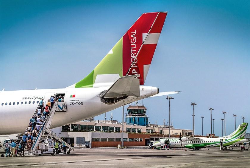 Flugzeug am Airport Madeira