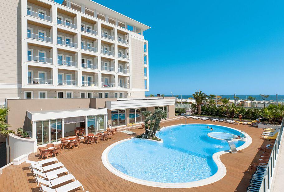 Hotel Ambasciatori Pool