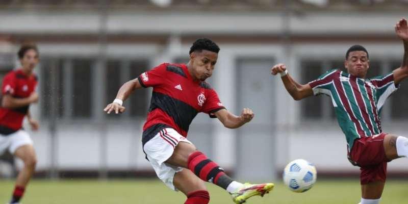 Flamengo bate o Fluminense em clássico do Brasileiro Sub-20