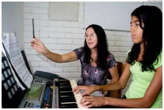 Aula de teclado no Centro de Educação Musical de Olinda (CEMO). Foto: Jan Ribeiro/Pref.Olinda