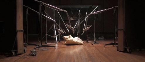 O ouvido de Vinicius. O filme é um ensaio sobre uma gravação imaginária do poeta e compositor Vinicius de Moraes com a cantora Maria Bethânia. Foto: Divulgação/MIMO