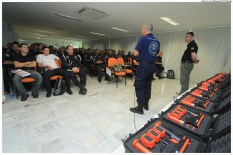 Agentes da Guarda Municipal de Olinda participam de Curso de Operador de Arma Não-Letal. Foto: Luiz Fabiano/Pref.Olinda