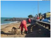 Manutenção dos serviços de contenção do avanço do mar. Foto: Diego Galba/Pref.Olinda