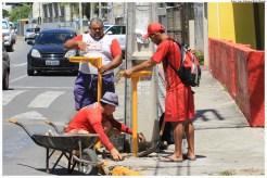 Novas lixeiras na Orla de Casa Caiada. Foto: Luiz Fabiano/Pref.Olinda
