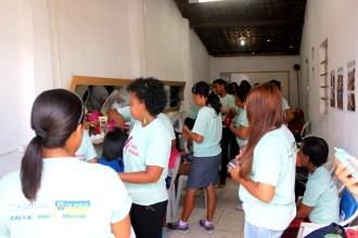 Aula do curso profissionalizante de cabeleireiro. Foto: Rodrigo Barradas/Pref.Olinda