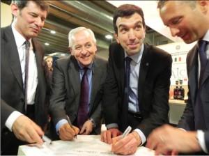 La firma del Protocollo con (da sinistra) Vaccari, Liberatore, Martina e Moretti
