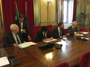 La firma del Protocollo tra MIPAAF, ICQRF, AICIG, FEDERDOC ED e-Bay