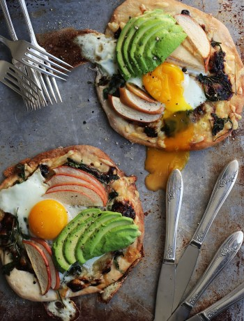 Apple Gruyere Breakfast Pizza