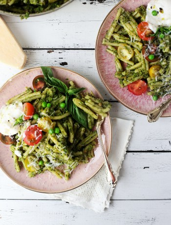 Fresh Pea and Pistachio Pesto Pasta
