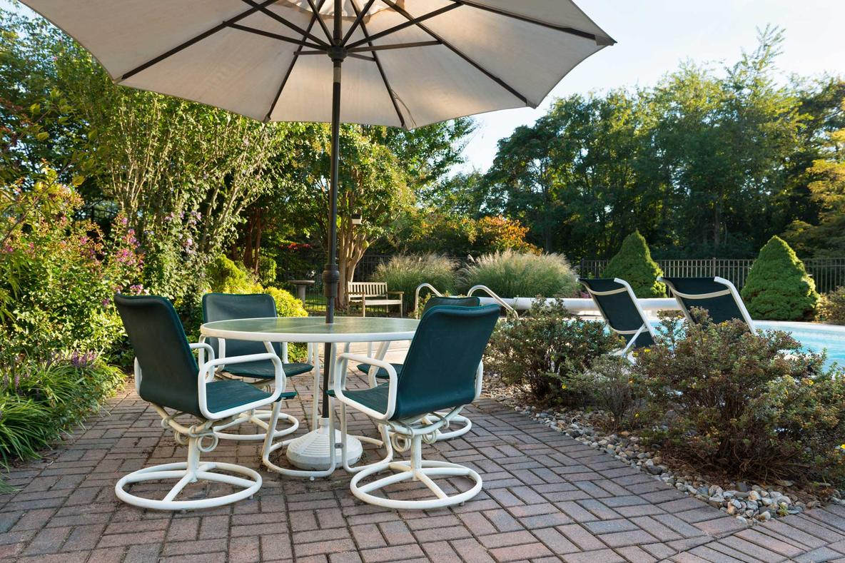 Simple Patio Designs with Pavers | Oliveira Pavers of ... on Patio Designs  id=31108