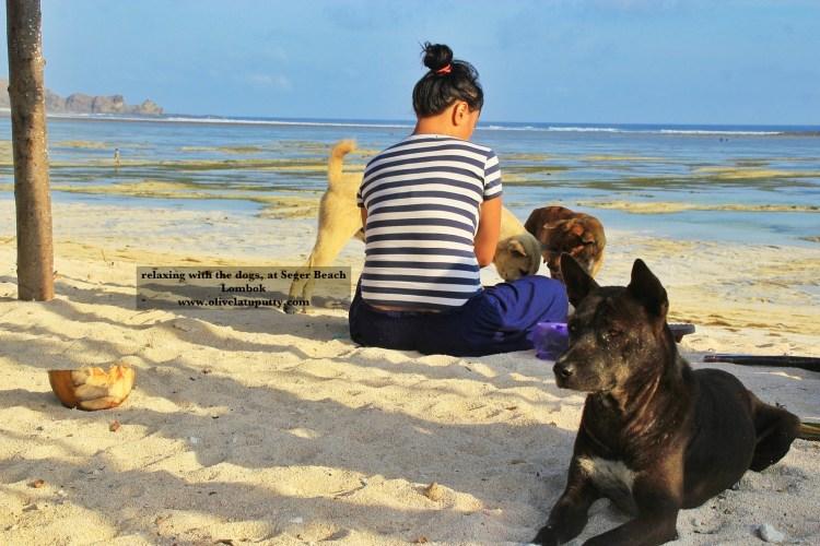 Jatuh Cinta Sama Pantai MAWUN