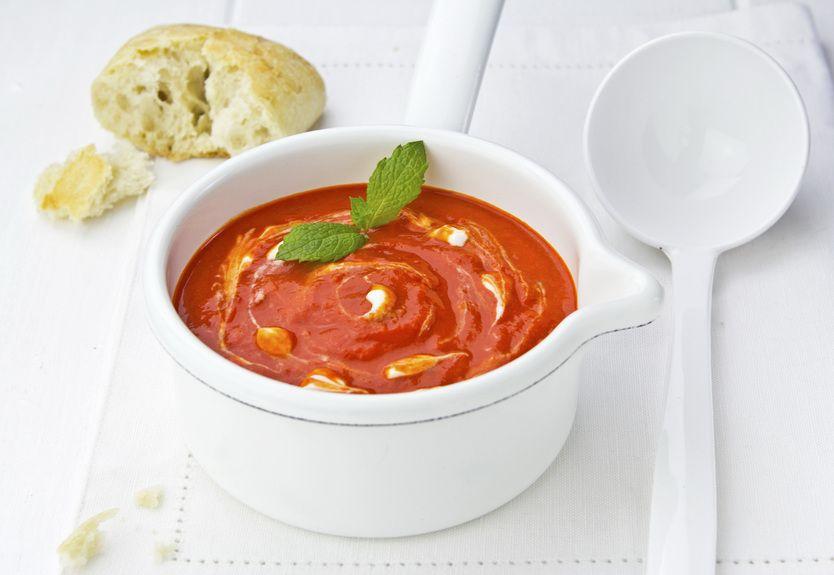 soupa veloute kokkini_109293932