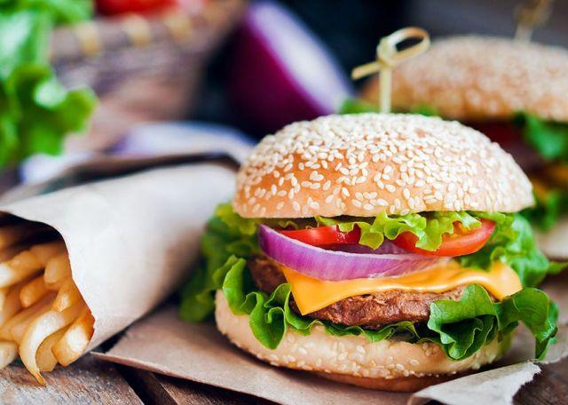 burger-olivemagazinegr_ANOIGMA