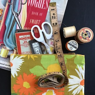 Mary Zipper Pouch: Sewing Kit