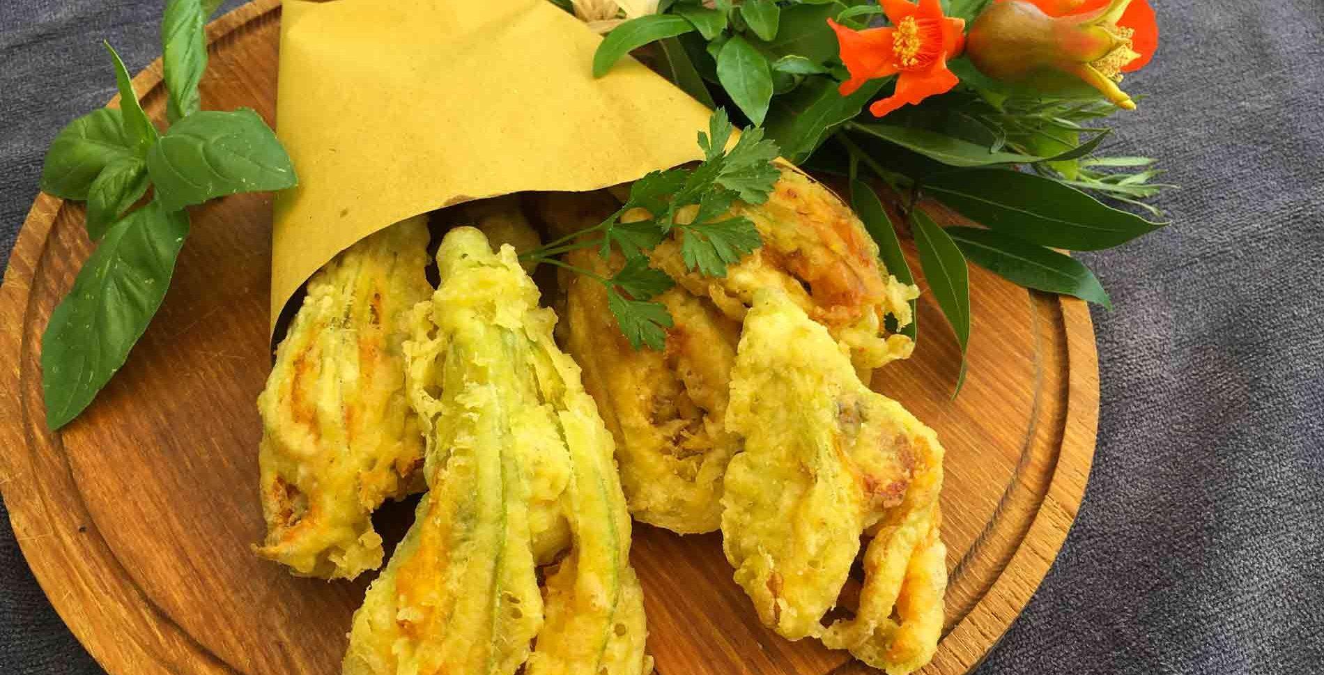 Fiori di zucchina ripieni alla montepescinese