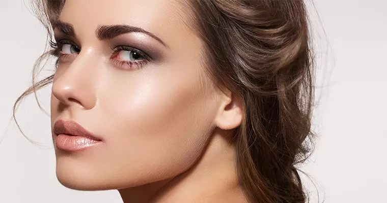 5 DIY Makeup Tips For Glowing Skin
