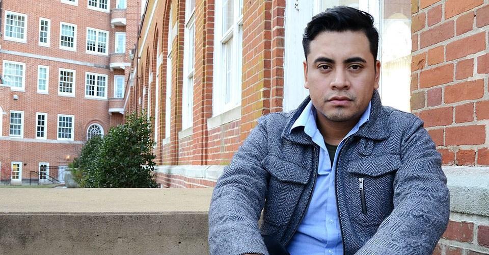 Armando Ibañez, director de la serie Undocumented Tales.