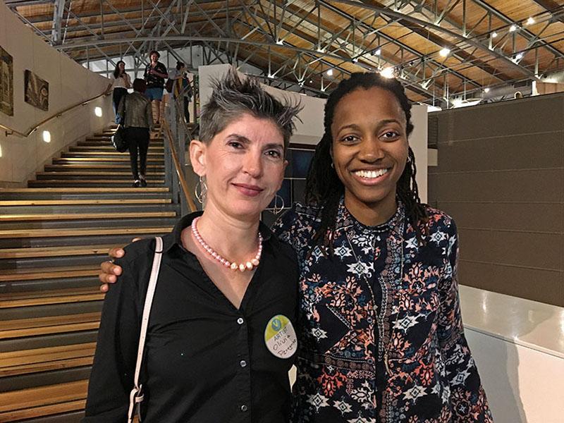 Raquel Hynson y yo en la inauguración de Texas Vignette 2019, en The Women's Museum de Dallas, Texas.