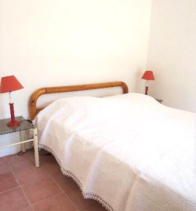 60-location-villa-corse-sud-chambre1