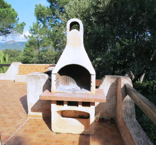 66-location-villa-corse-sud-barbecue-terrasse