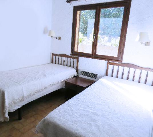 67-location-villa-corse-sud-chambre1